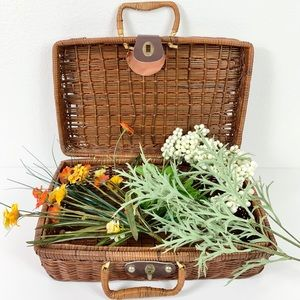 Other - Wicker Briefcase Picnic Basket W/ Handles
